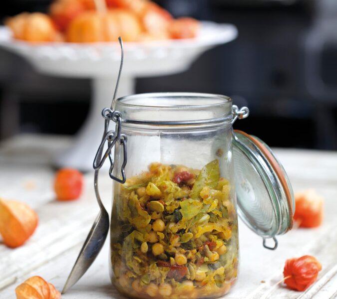 Wegebigos z ciecierzycą, suszonymi pomidorami i pestkami dyni