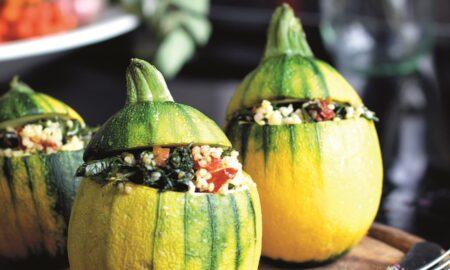 Zapiekana cukinia z kaszą jaglaną, jarmużem, suszonym pomidorem i nutą oregano