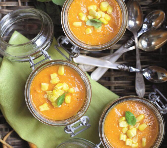 Zupa marchewkowo-pomidorowa z kaszą jaglaną i kukurydzą